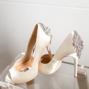 Badgley Mischka Kiara Ivory Wedding Heels New 8.5